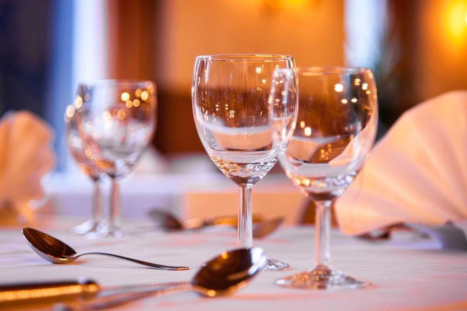 7-welkom-wijnglazen-hotel-van-der-werff-copyright-foppe-schut